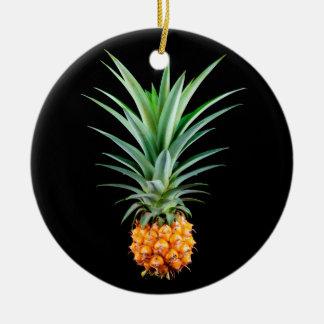 Ornamento De Cerâmica fundo preto minimalista elegante do abacaxi |