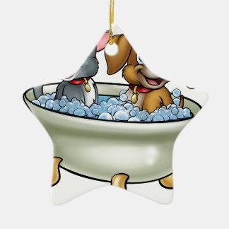 Ornamento De Cerâmica Gato e cão dos desenhos animados no banho