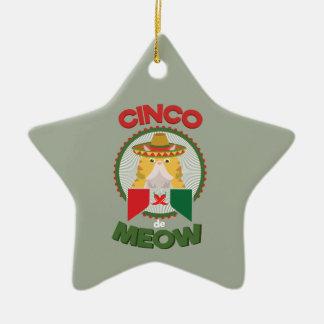 Ornamento De Cerâmica Gato engraçado para o feriado do mexicano de Cinco