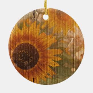 Ornamento De Cerâmica Girassol amarelo boémio do cartão ondulado