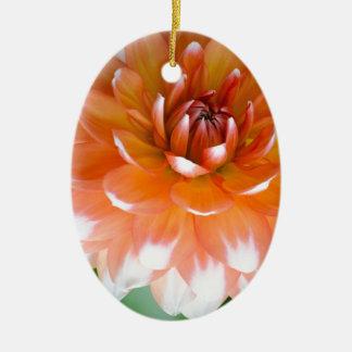 Ornamento De Cerâmica Glória alaranjada e branca