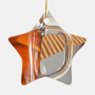 Ornamento De Cerâmica Grande caneca de vidro transparente com fim do chá