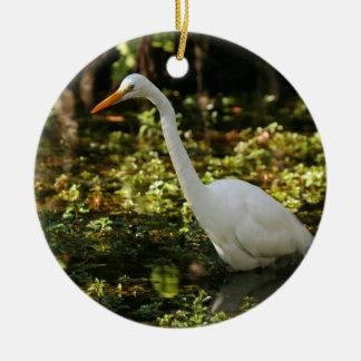 Ornamento De Cerâmica Grande Egret que vadeia nos marismas