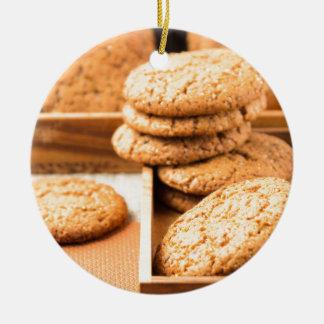 Ornamento De Cerâmica Grupo de biscoitos de farinha de aveia na bandeja