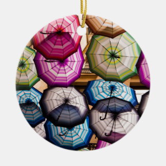 Ornamento De Cerâmica Guarda-chuvas coloridos, listrados