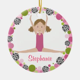 Ornamento De Cerâmica Gymnast da estrela no cabelo encaracolado dos rosa