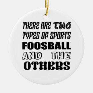 Ornamento De Cerâmica Há dois tipos de esportes Foosball e outro