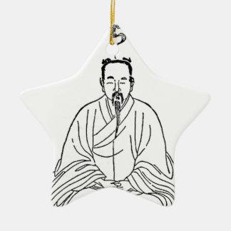 Ornamento De Cerâmica Homem que senta-se na pose da meditação