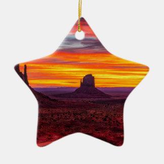 Ornamento De Cerâmica Ideia cénico do por do sol sobre o mar