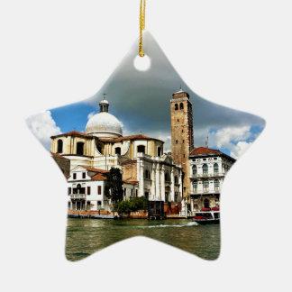 Ornamento De Cerâmica Igreja de Veneza durante o dia