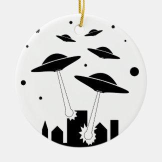 Ornamento De Cerâmica Invasão do UFO