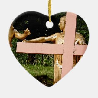 Ornamento De Cerâmica Jesus com cruz
