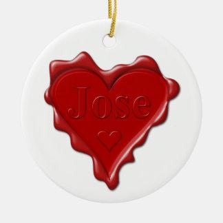 Ornamento De Cerâmica Jose. Selo vermelho da cera do coração com Jose