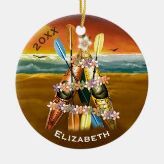 Ornamento De Cerâmica Kayaking de remo tropical da árvore de Natal do
