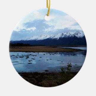 Ornamento De Cerâmica Lago na estrada de Maud