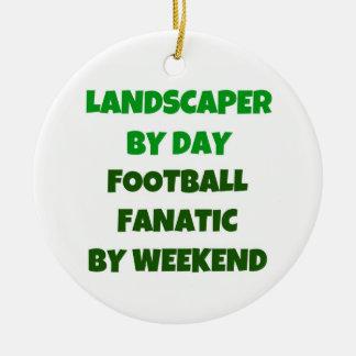 Ornamento De Cerâmica Landscaper pelo fanático do futebol do dia em a