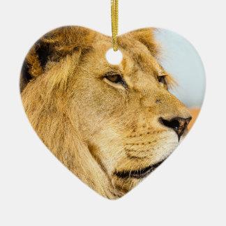 Ornamento De Cerâmica Leão grande que olha longe