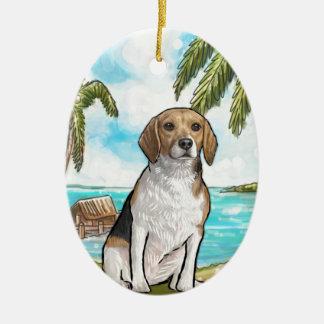 Ornamento De Cerâmica Lebreiro na praia tropical das férias