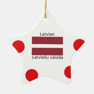 Ornamento De Cerâmica Língua e design letães da bandeira de Latvia