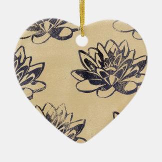 Ornamento De Cerâmica Lírios de água dourados dois
