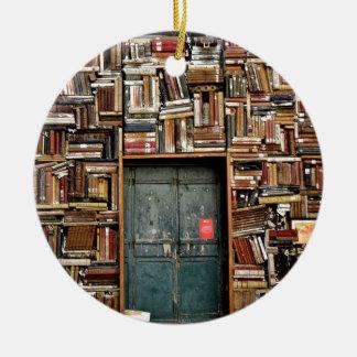 Ornamento De Cerâmica Livros e livros