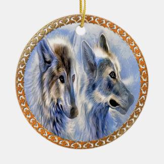 Ornamento De Cerâmica Lobos azuis e brancos do gelo que procuram o