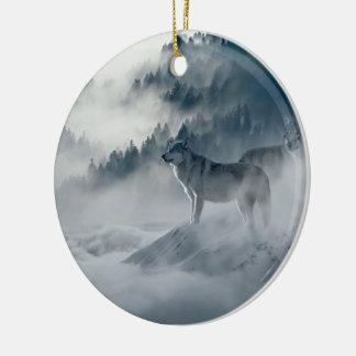 Ornamento De Cerâmica Lobos na paisagem nevado do inverno