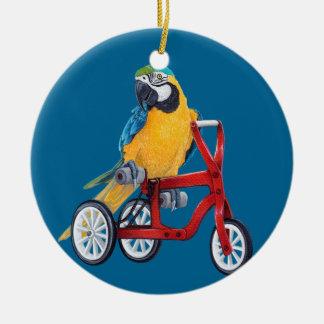 Ornamento De Cerâmica Macaw do papagaio na bicicleta do triciclo