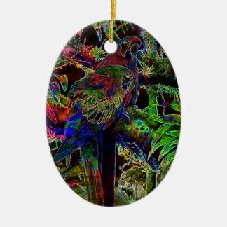 Ornamento De Cerâmica Macaws no paraíso tropical na noite