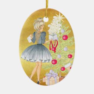 Ornamento De Cerâmica Mágica do Natal - louro que decora uma árvore