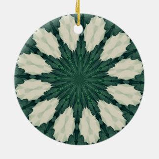 Ornamento De Cerâmica Mandala. da folha verde e de prata de Sacramento