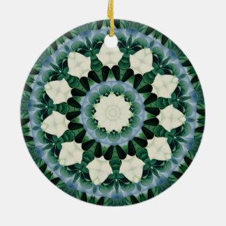 Ornamento De Cerâmica Mandala do azul verde e Cerulean de Sacramento