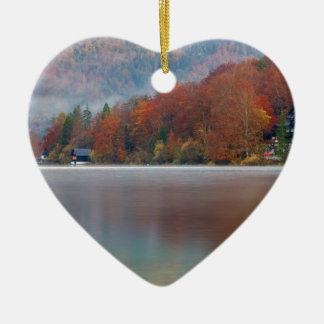 Ornamento De Cerâmica Manhã do outono sobre o lago Bohinj