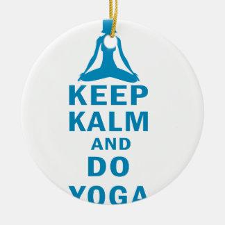 Ornamento De Cerâmica mantenha calmo e faça a ioga