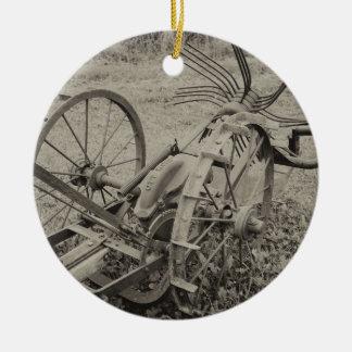 Ornamento De Cerâmica Máquina agrícola do vintage
