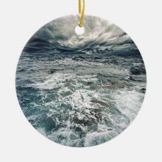 Ornamento De Cerâmica Mares dramáticos
