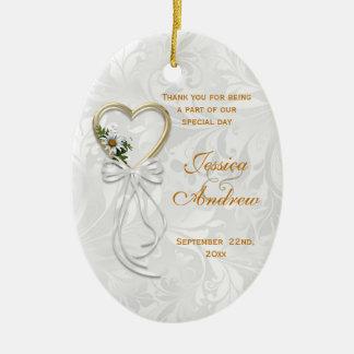 Ornamento De Cerâmica Margarida romântica, coração do ouro & fita branca