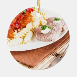 Ornamento De Cerâmica Massa e fatias italianas de carne