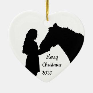Ornamento De Cerâmica Menina datado do Natal & sua silhueta do amor do