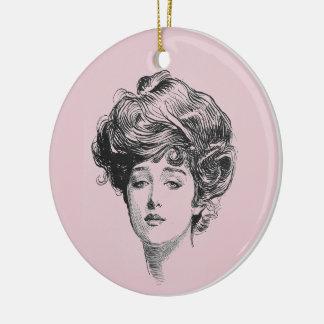Ornamento De Cerâmica Menina de Gibson no rosa