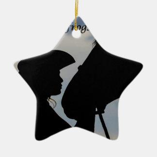 Ornamento De Cerâmica Menina que beija o cavalo