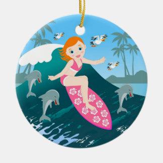 Ornamento De Cerâmica Menina que surfa a onda grande com golfinhos