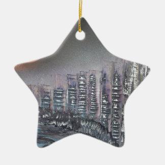 Ornamento De Cerâmica Metrópole na noite