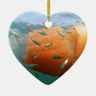 Ornamento De Cerâmica Natações das medusa do tambor com cavala
