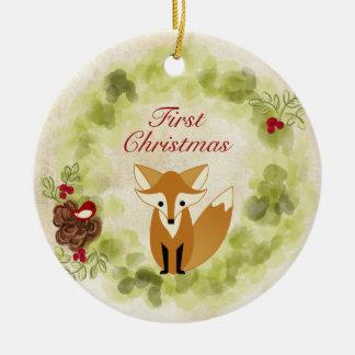 Ornamento De Cerâmica Natal personalizado do bebê do Fox e da grinalda o