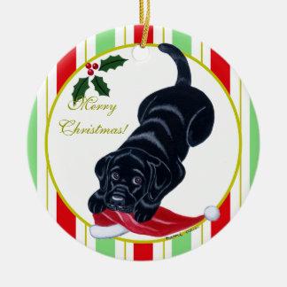 Ornamento De Cerâmica Natal preto do filhote de cachorro de Labrador &