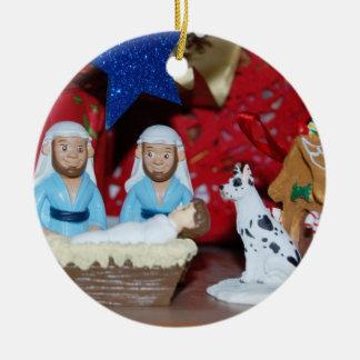 Ornamento De Cerâmica Natividade alegre: O amor faz uma família