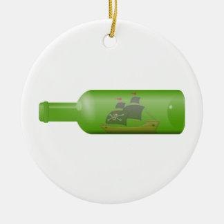 Ornamento De Cerâmica Navio em uma garrafa