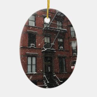 Ornamento De Cerâmica Neve superior do escape de fogo NYC do Brownstone