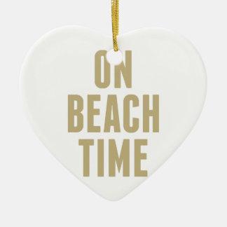 Ornamento De Cerâmica No tempo da praia